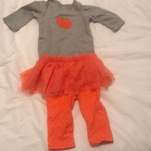 Size 3-6 months girls pumpkin outfit with tutu